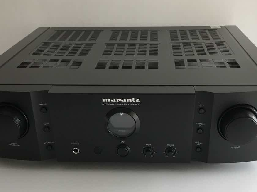Marantz Reference Series Intergraded Amplifier with built in Moving coil and Moving phono stage. Can be used as a Preamp out or direct in from a Separate preamp. Rated at 90 watts per channel into 8 ohms and 140 into 4 ohms