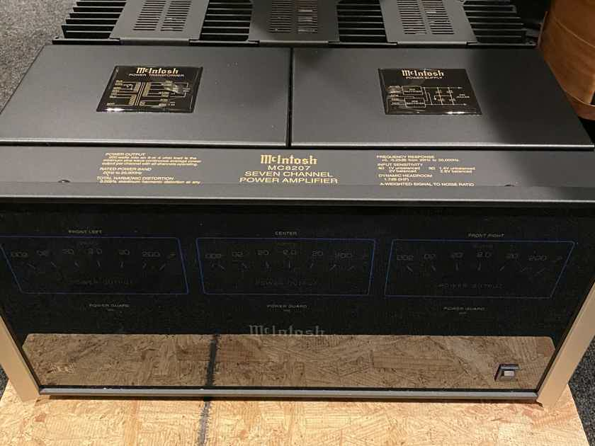 McIntosh  MC-8207 home theater 7 channel amp
