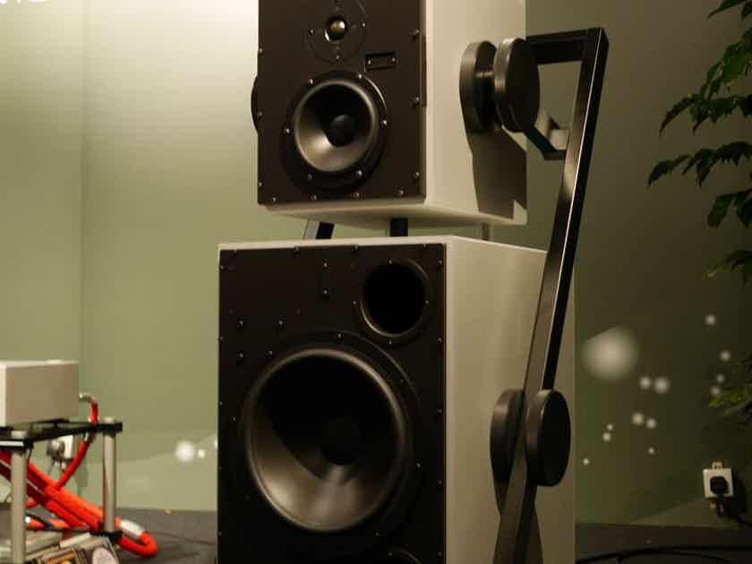Goldmund Satya Active wireless speakers