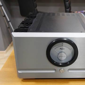 Pass Labs XA160.8