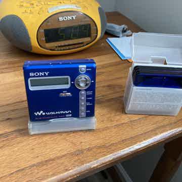 Sony Mz-n707 type r