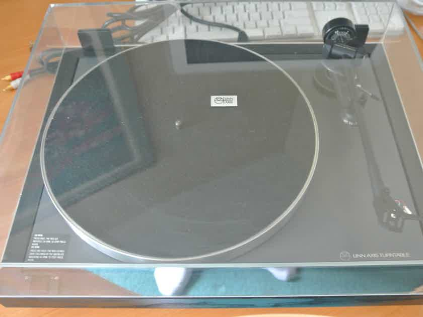 Linn Axis Turntable With LV X Tonearm - Excellent Condition -  With Original Box - Must See!