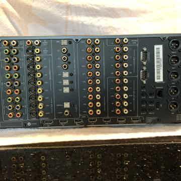 Arcam FMJ-AV888