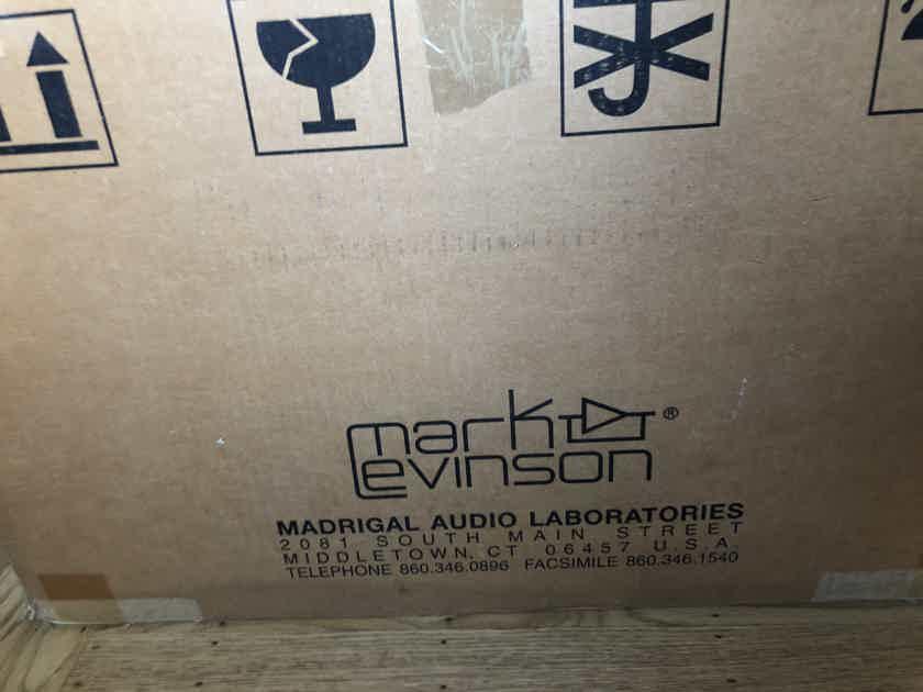 Mark Levinson  No.331 Amplifier