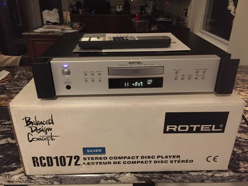 Rotel RCD-1072 STEREO COMPACT DISC PLAYER/HDCD/NICE!!!