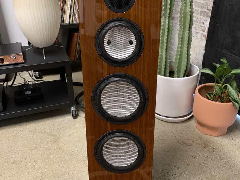 Marten Design Heritage Bird 2 Floorstanding Speakers in Gloss Walnut