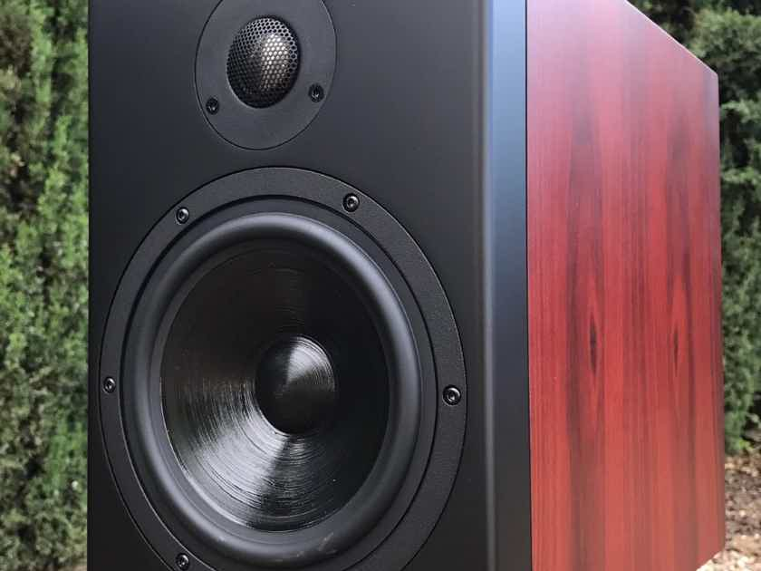 Silverline Audio Minuet Grand Powerful Rosewood Monitors-New-FREE Freight