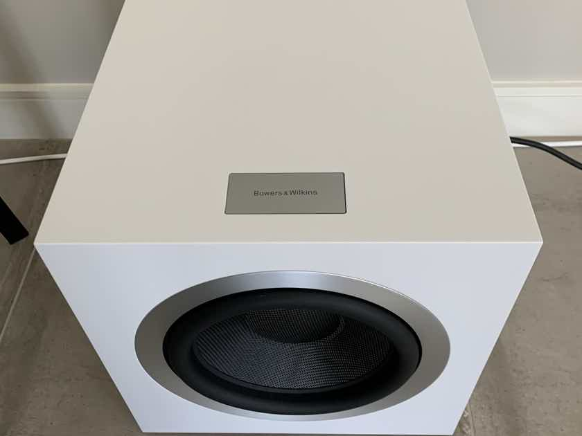 B&W (Bowers & Wilkins) DB4S Subwoofer