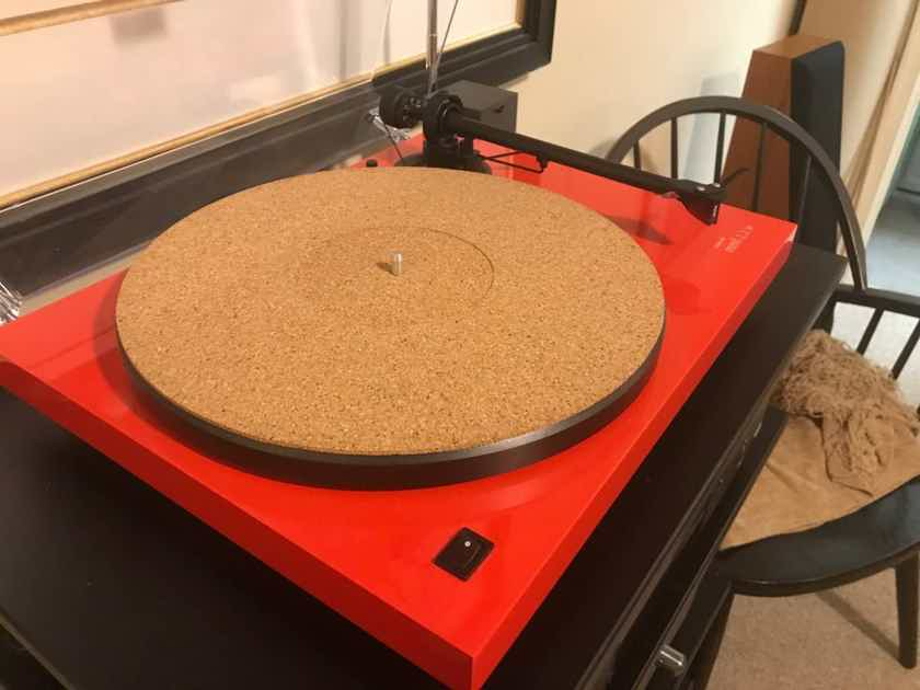 Last Day to be listed - Music Hall MMF 2.2 LE Turntable w/Ortofon. 2M Red Cartridge