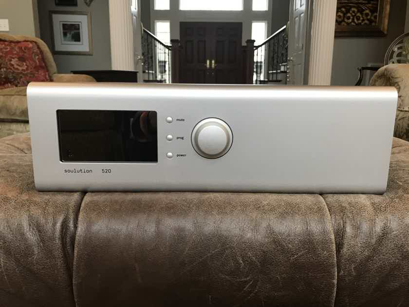 Soulution 520 preamp with phono