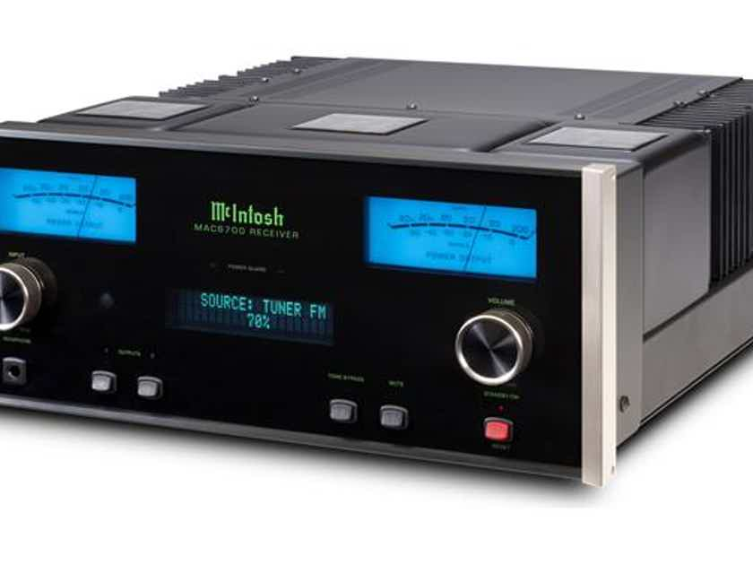 McIntosh MAC6700 Integrated/Receiver  9++++ Absolute Showroom Condition MINT!