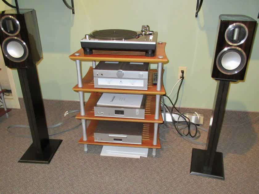 Monitor Audio Gold 50 Stand Mount Speakers