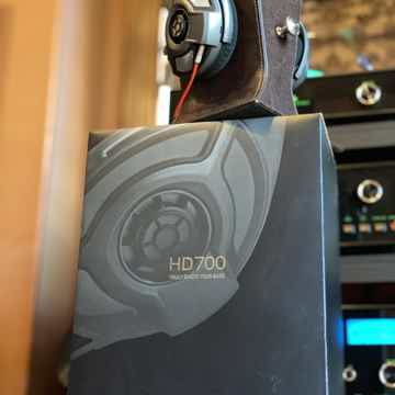 Sennheiser HD-700
