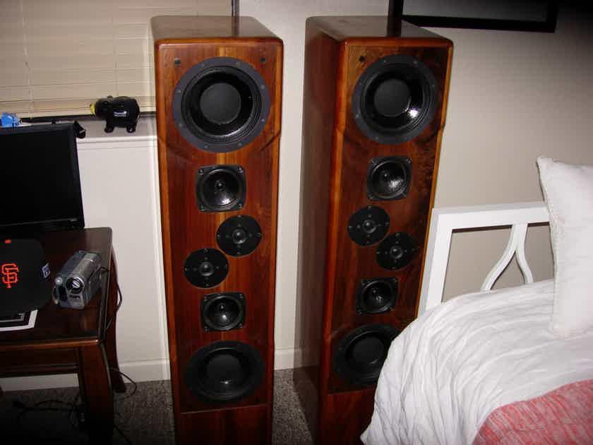 Daedalus Audio Ulysses V.2 Speakers In Solid Cherry Wood
