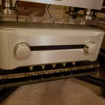 Esoteric C-02 Dual-Mono Amazing Preamp in Great Conditi...