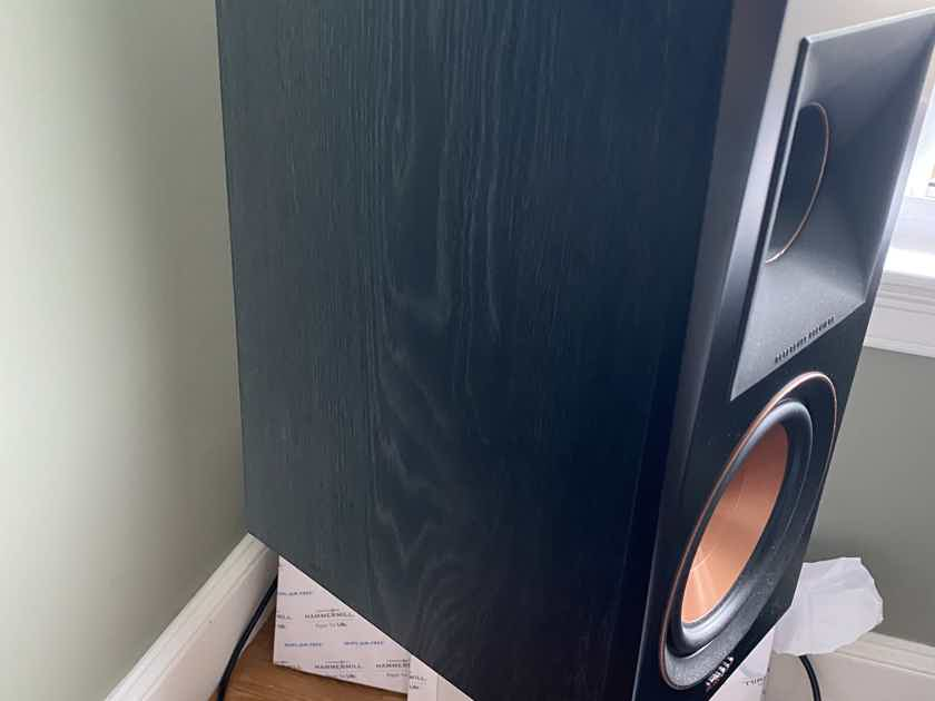 Klipsch RP-600M 600M Complete in original box with all accessories.