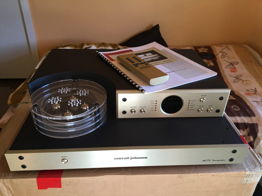 Conrad Johnson ACT-2 Preamplifier in Excellent condition!!!