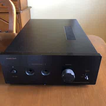 Music Hall Headphone Amplifier
