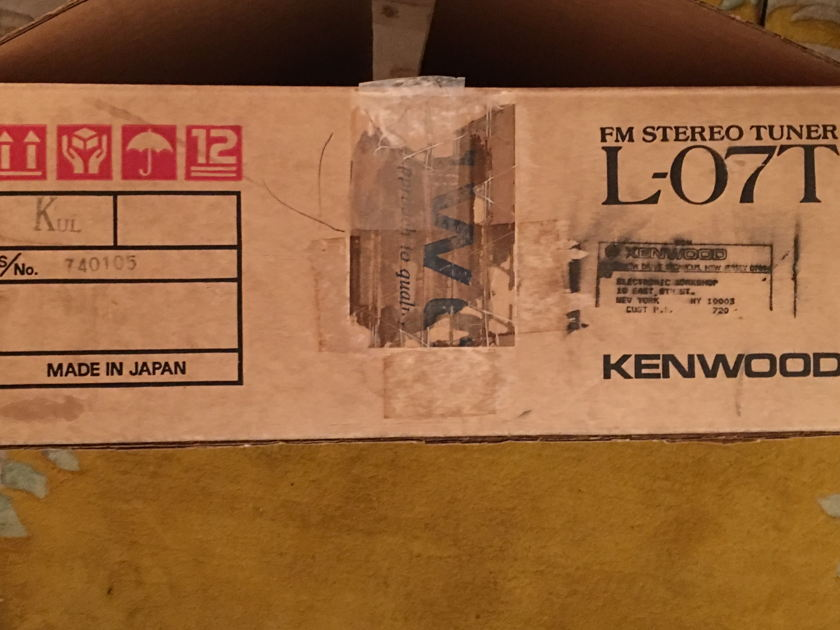 Kenwood L-07T Appears new in box. No defects at all. New Price!