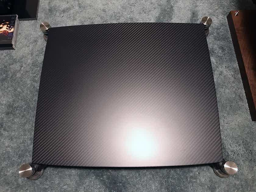 Bassocontinuo Audio Systems Eos 2.0 Reference Carbon Fiber Amp Stand