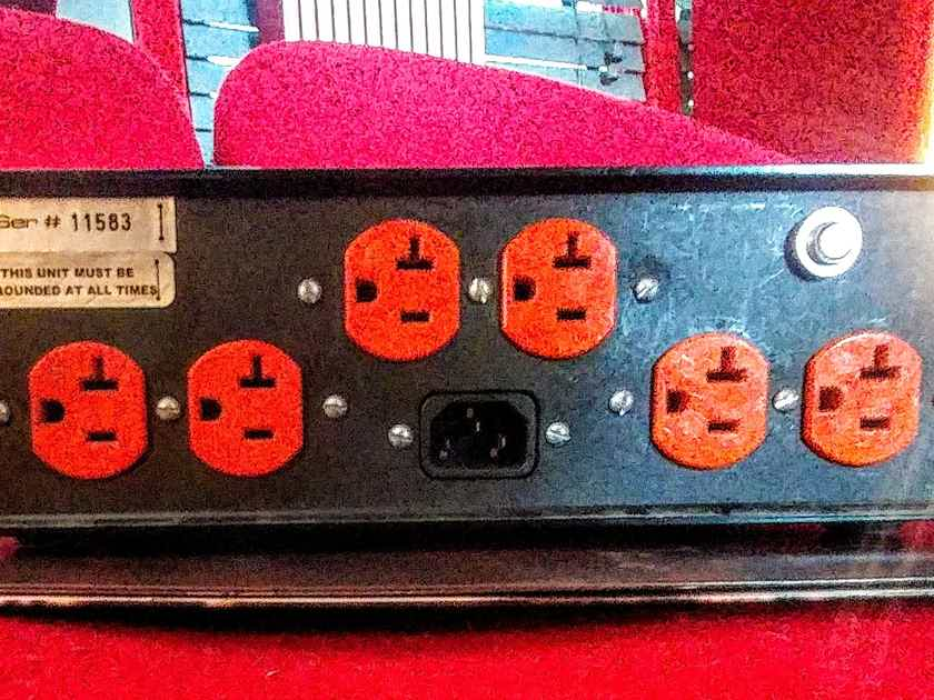 Audio Magic Stealth Power Purifier 6 Outlets & Non-Current Limiting, Ships Free!