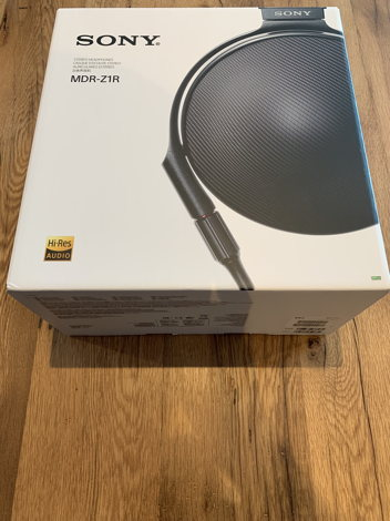 e0558d47f2e Sony MDR-Z1R Signature series over-ear headphones | Over-Ear ...