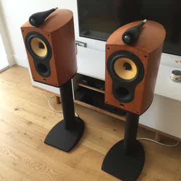 805S Natural Cherry with Factory FS-805 Stands