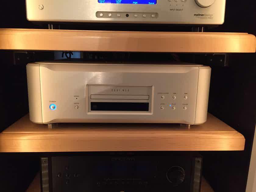 Esoteric K-01 CD/SACD Player