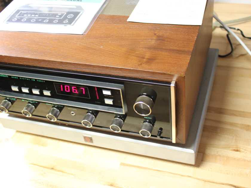 [Just Serviced] McIntosh MR80 FM Tuner in Excellent Condition in Wood Cabinet