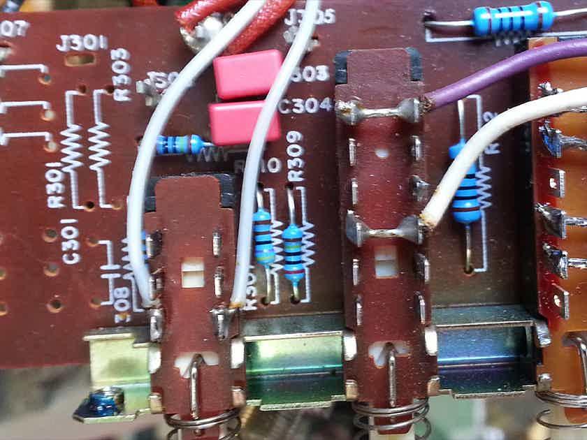 Vintage Art -- Restored Marantz 1030 Integrated Amplifier