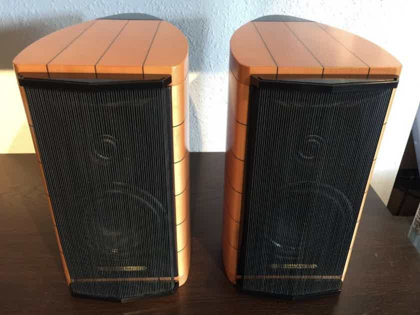 Sonus Faber Cremona Auditor M Speakers Maple w/ Stands Rare Like New ~ Free Shipping