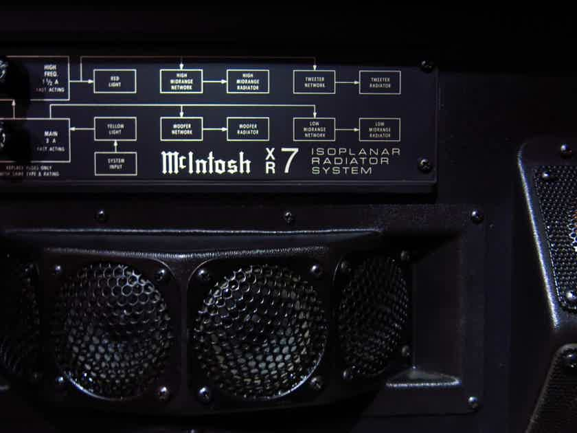 McIntosh C-32 Vintage Stereo Preamplifier/Power - Amp (MC 2205 Stereo Power Amplifier)/x2 Speakers (XR7) with Walnut wooden Cabinet