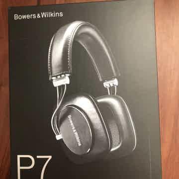 B &W P7