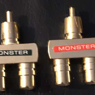 Monster RCA Female to RCA Male Y-Splitter