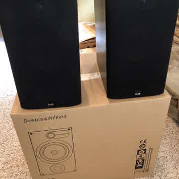 B&W (Bowers & Wilkins) 685
