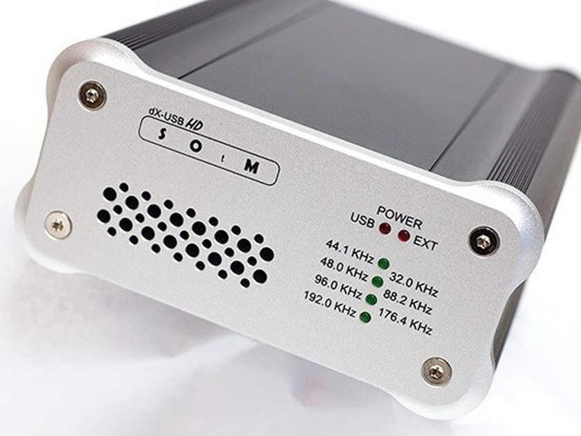SOtM dX-USB HD Digital Audio Transporter and super clock sCLK-2224