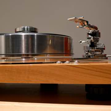 Pro-Ject SIGNATURE 10 Turntable in High Gloss Olivewood