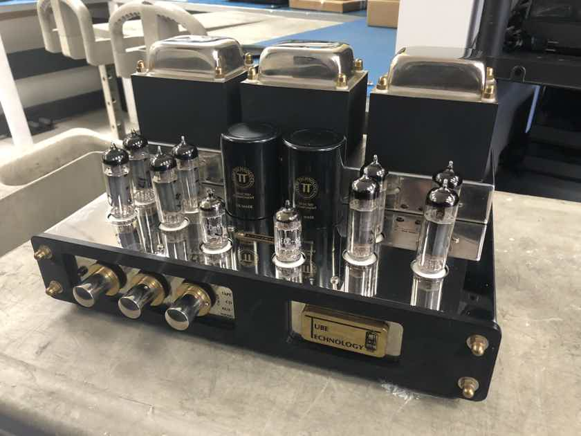 Tube Technology Unisis Signature Integrated Amplifier - 35Wpc