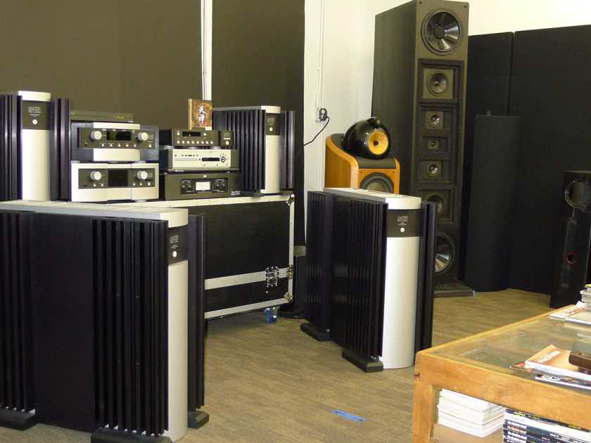 Mark Levinson No.33 H #33H Monoblock Amplifiers ............near San Francisco
