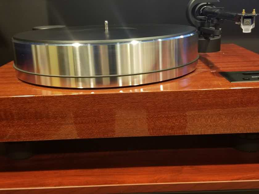 Pro-Ject Xtension X-Tension 10 Evolution Turntable in Mahogany Amazing table!