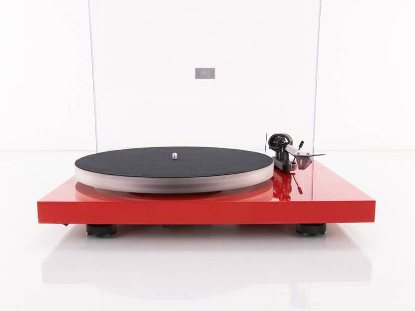 Pro-Ject Debut Carbon Turntable; Ortofon 2M Red Cartridge; Upgraded Platter (19152)