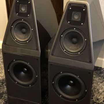 Wilson Audio Sophia mkII Dark Titanium w/Black Grills