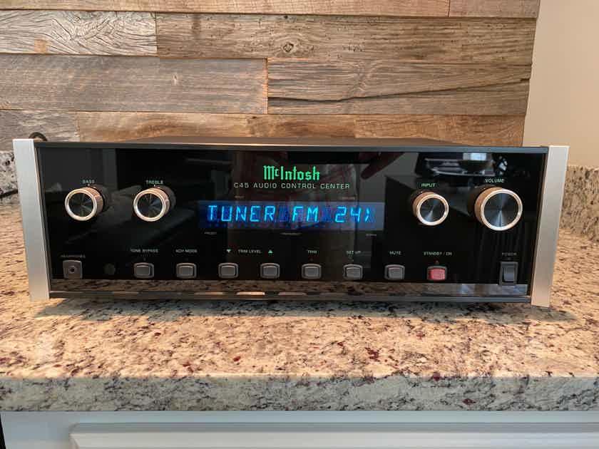 McIntosh C-45 Audio Control Center / pre-amplifier with TM-1 AM/FM Tuner module