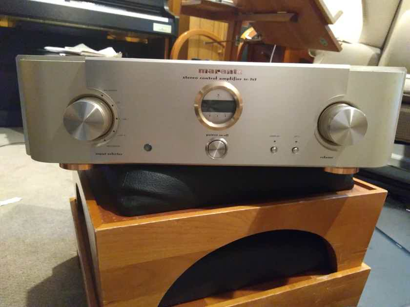 Marantz SC-7s2 Reference Series Stereo  Preamplifier