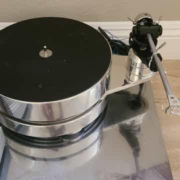 Transrotor Fat Bob turntable