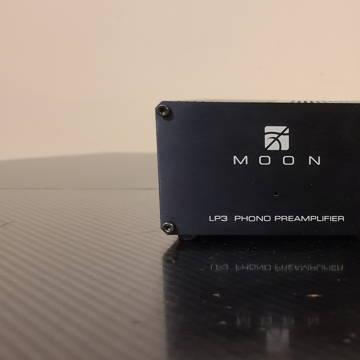 Simaudio Moon LP-3 MM/MC Phono Preamplifier.