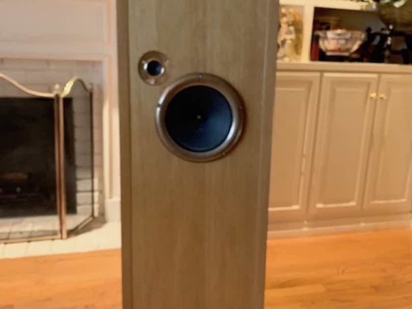 OCELLIA-  REDUCED PRICE for speaker with great reviews!