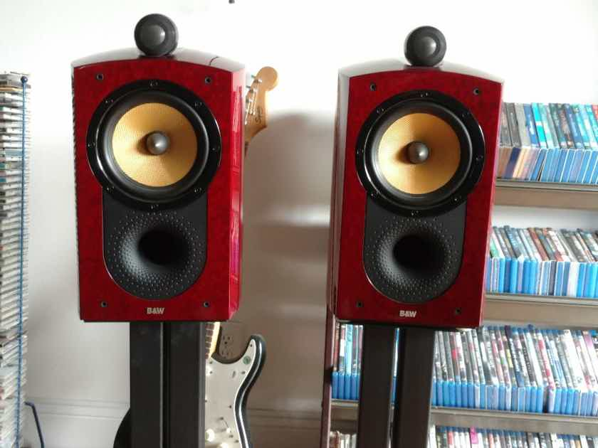 B&W (Bowers & Wilkins) Signature 805 BIRDSEYE RED W STANDS