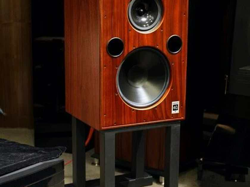 Harbeth 40.1 Rosewood with stands