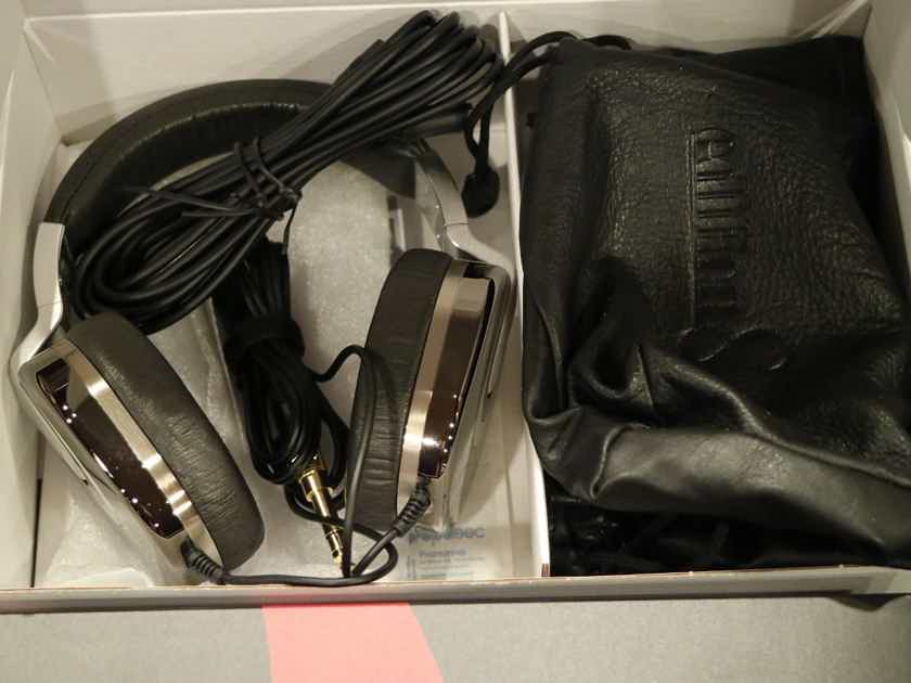 Mint condition Ultrasone Edition 8 Ruthenium S-Logic Surround Sound Professional Closed-back Headphones with Leather Transport Bag